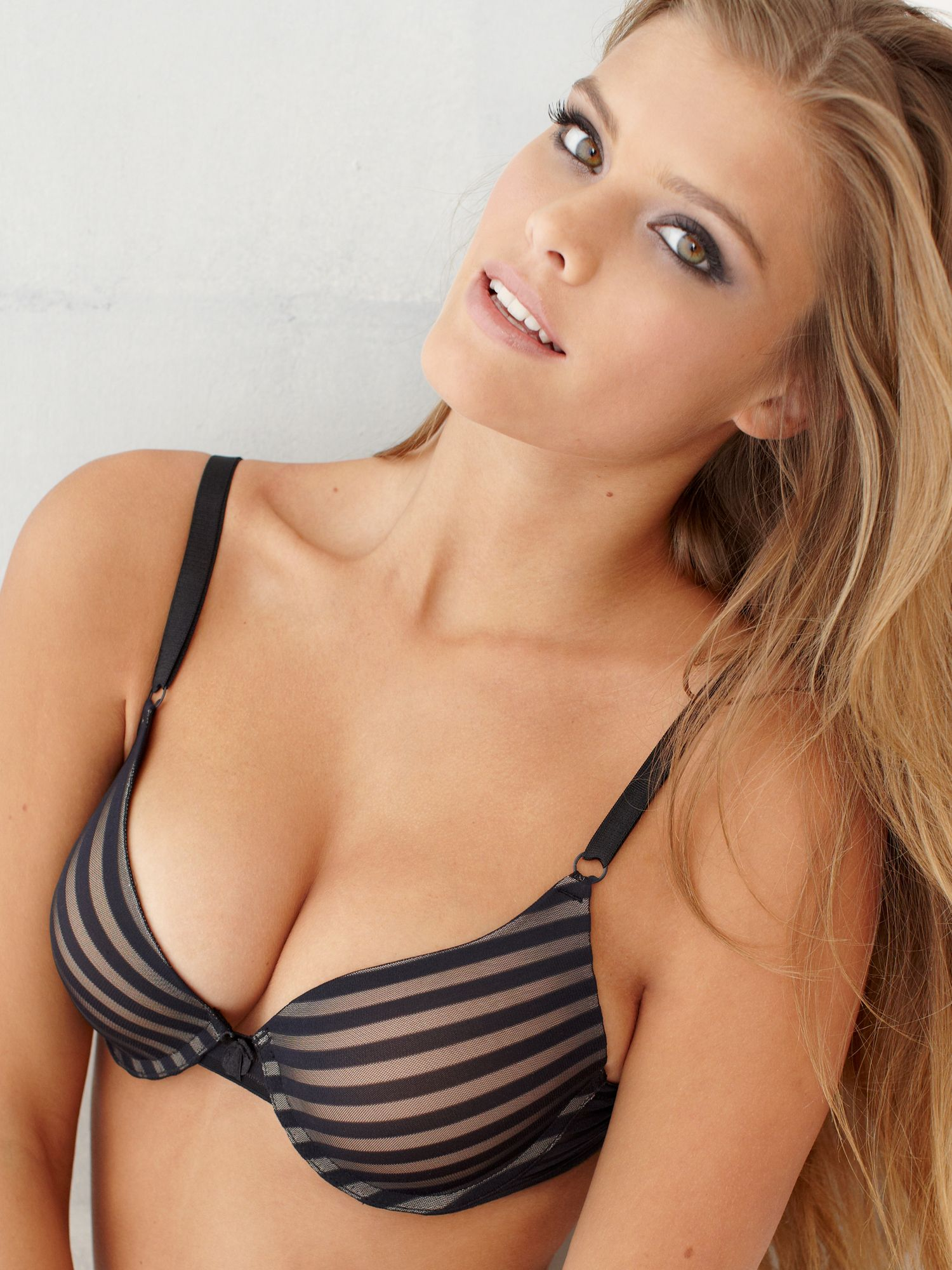 Nina Agdal photo 49 of 1623 pics, wallpaper - photo ...