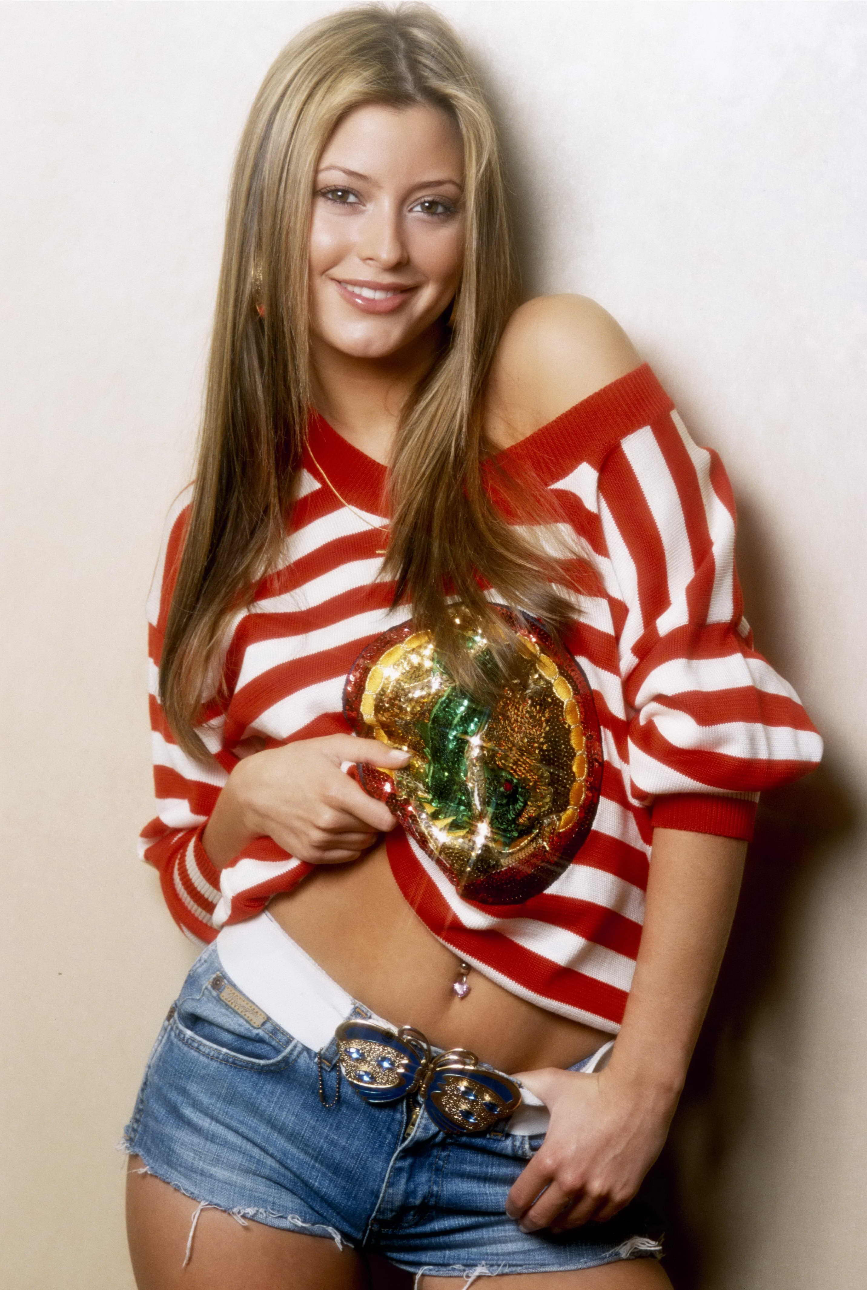 Holly Valance Photo 127 Of 270 Pics Wallpaper Photo 71631 Theplace2
