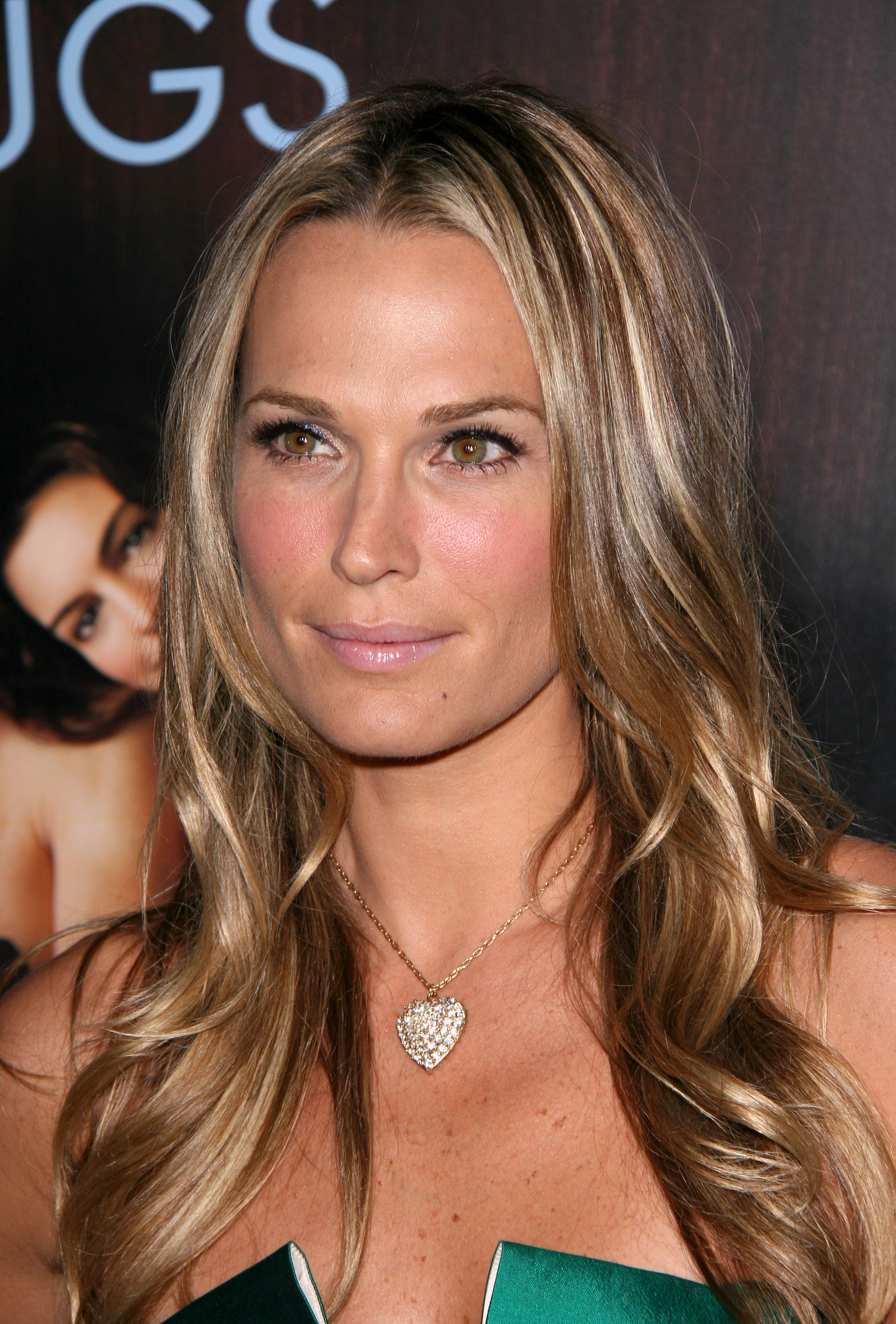 Molly Sims Photo 75 Of 272 Pics Wallpaper Photo 302870 Theplace2