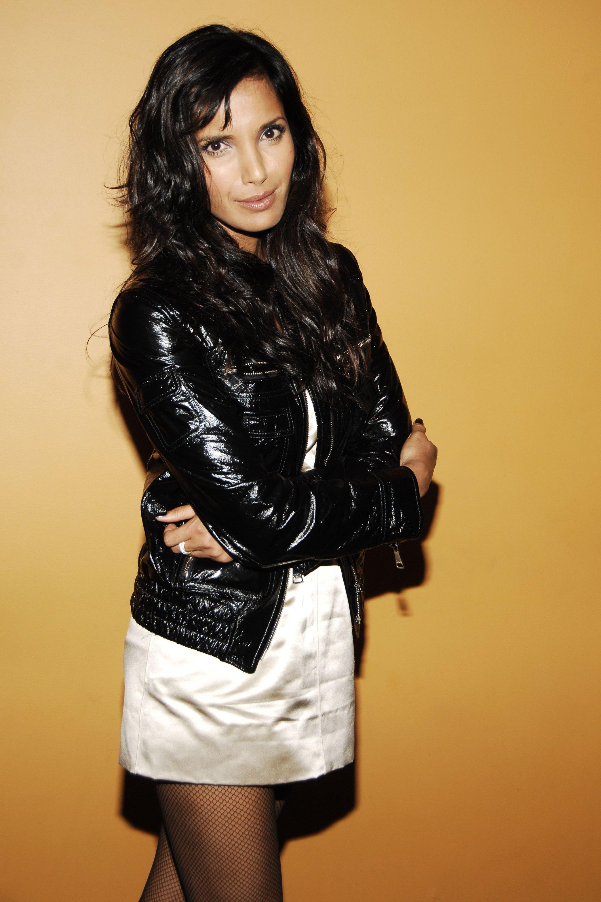 Padma Lakshmi Hot Photoshoot with Tight Jeans , Padma