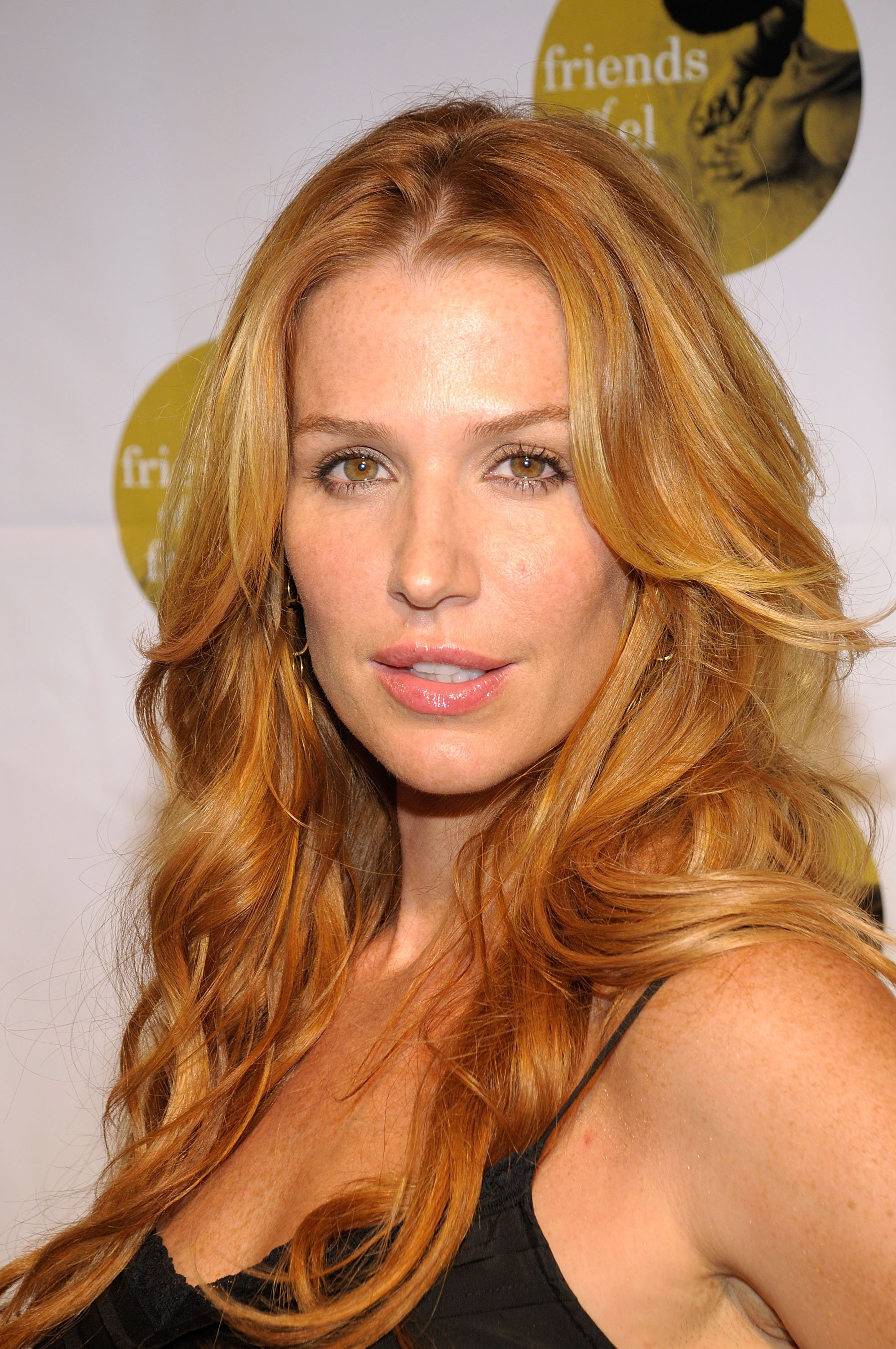 Poppy Montgomery photo...