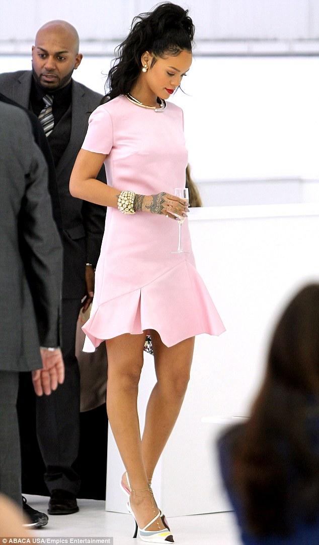 Rihanna dejting 2014 dating tullen i Schweiz