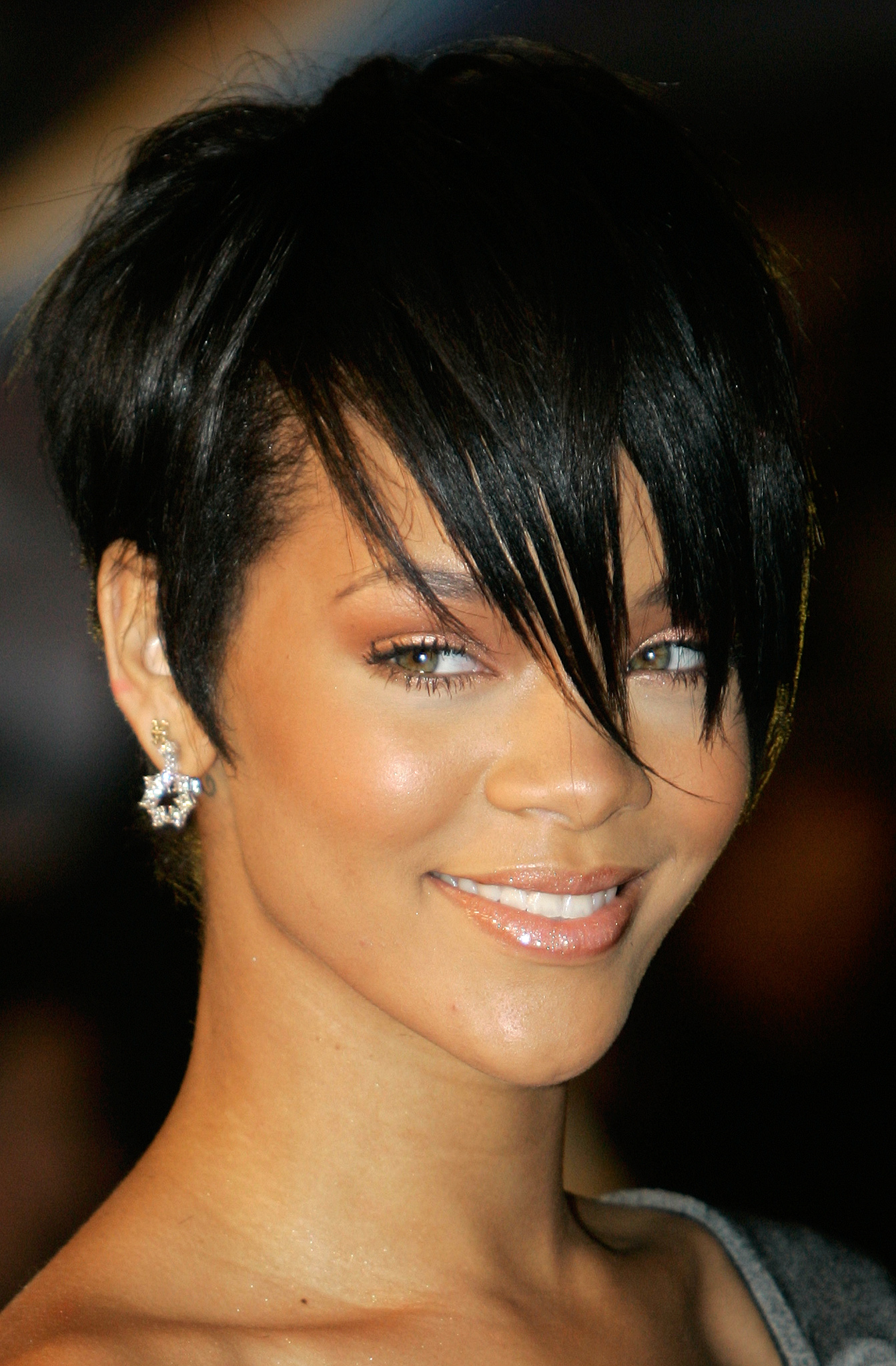 rihanna hair style rihanna photo 864 of 7720 pics wallpaper photo 131757 6140