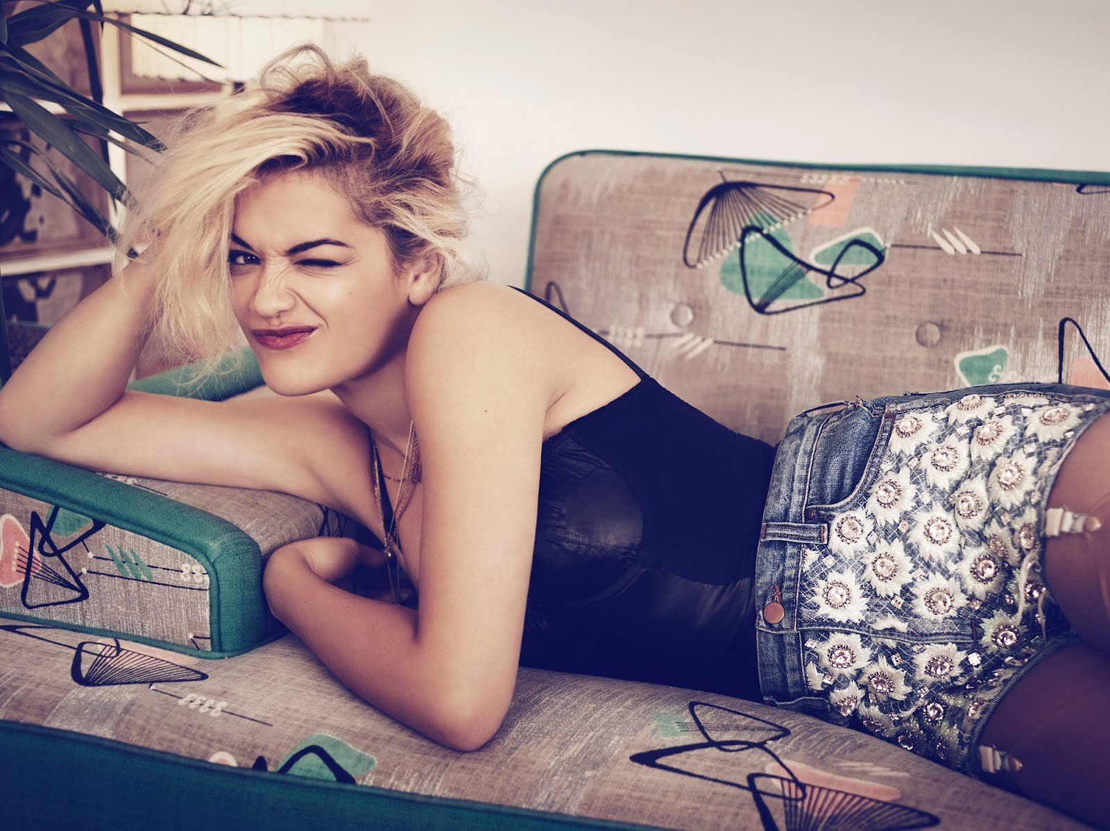Rita Ora  | Twitter