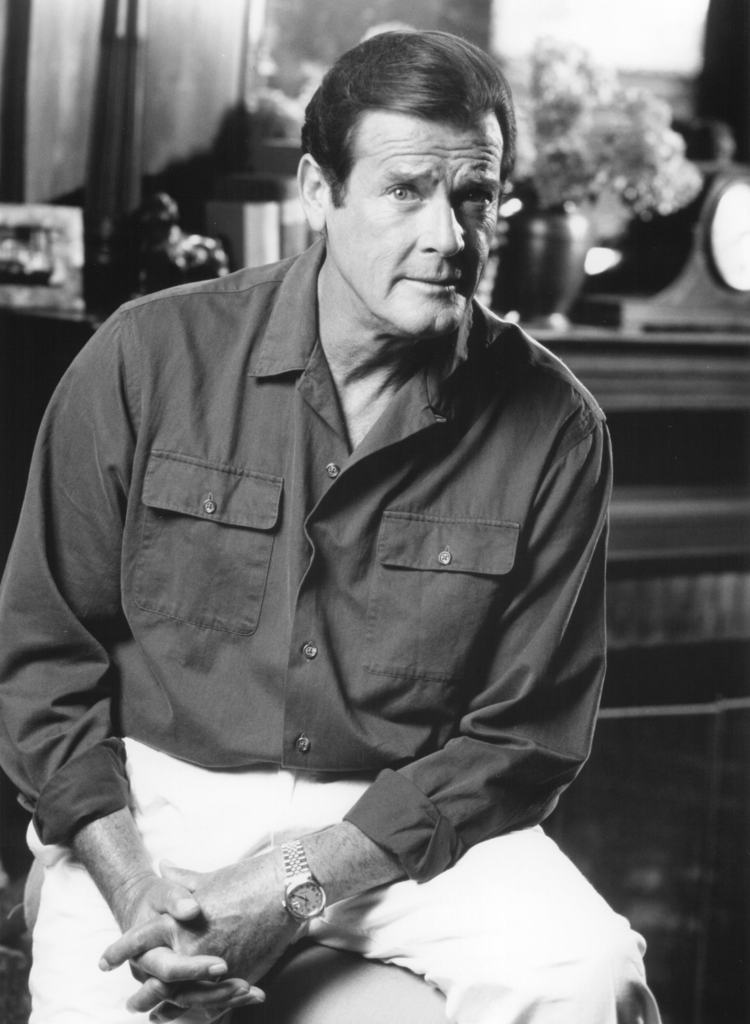 Roger Moore photo 4 of 8 pics, wallpaper - photo #331035 ...