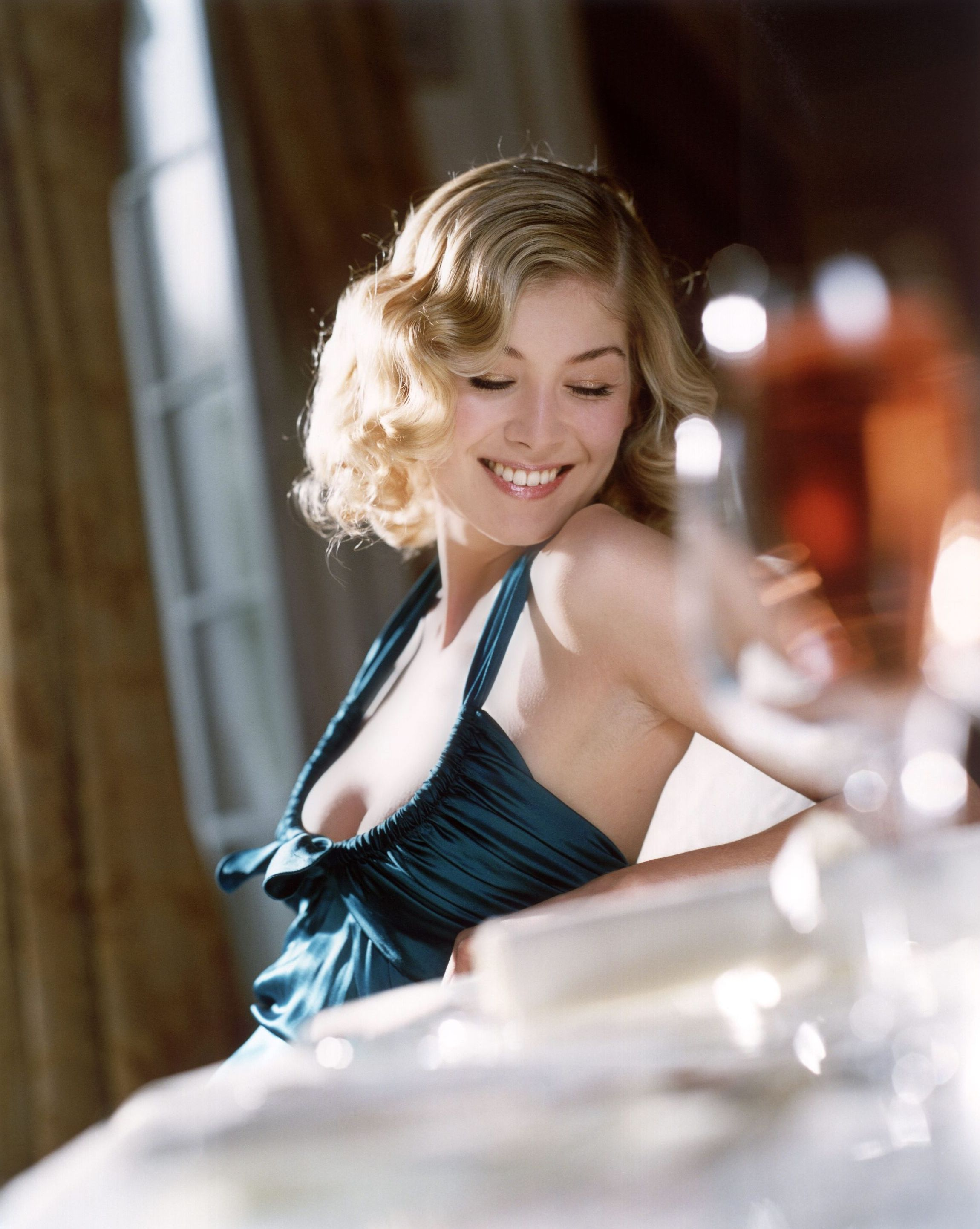 Rosamund Pike photo #175155 | Celebs-Place.com