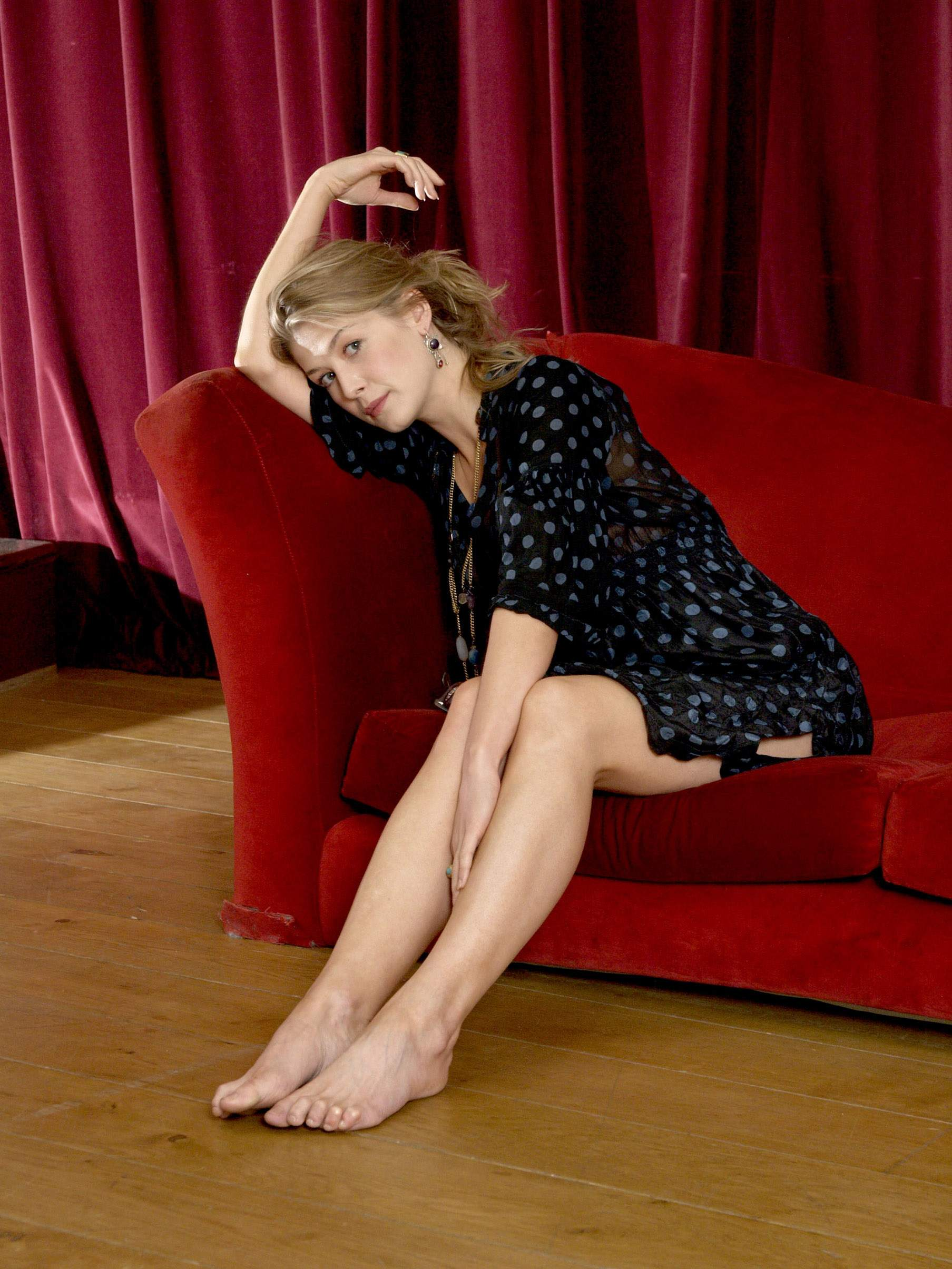 Rosamund Pike photo 72...