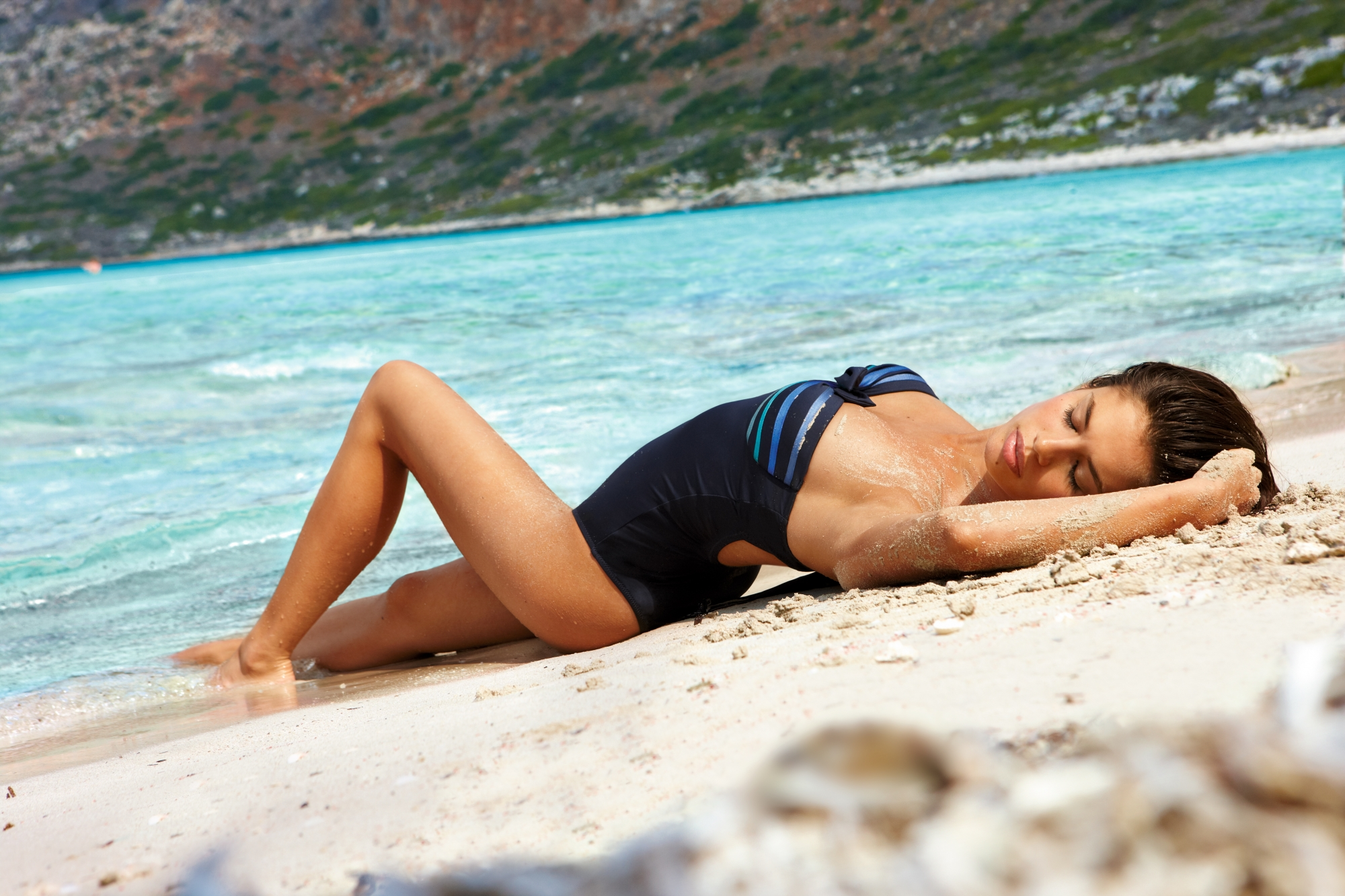 beach-bikini-pool-sara