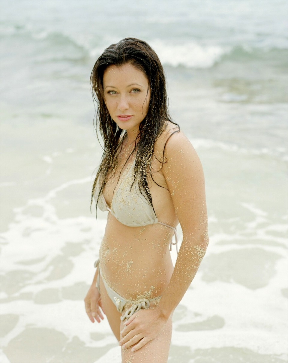 Shannen doherty bikini pics