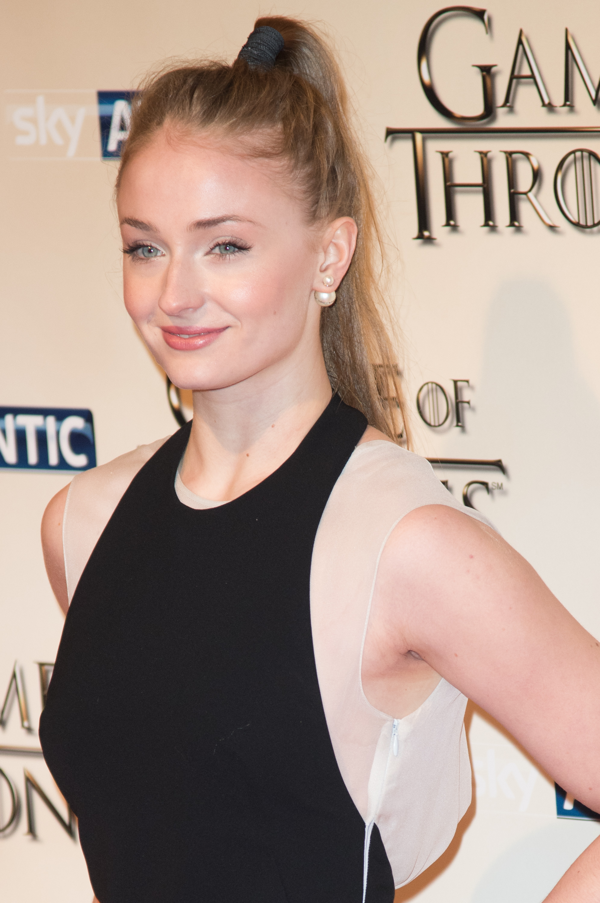 Sophie Turner Actress Photo 480 Of 1372 Pics Wallpaper