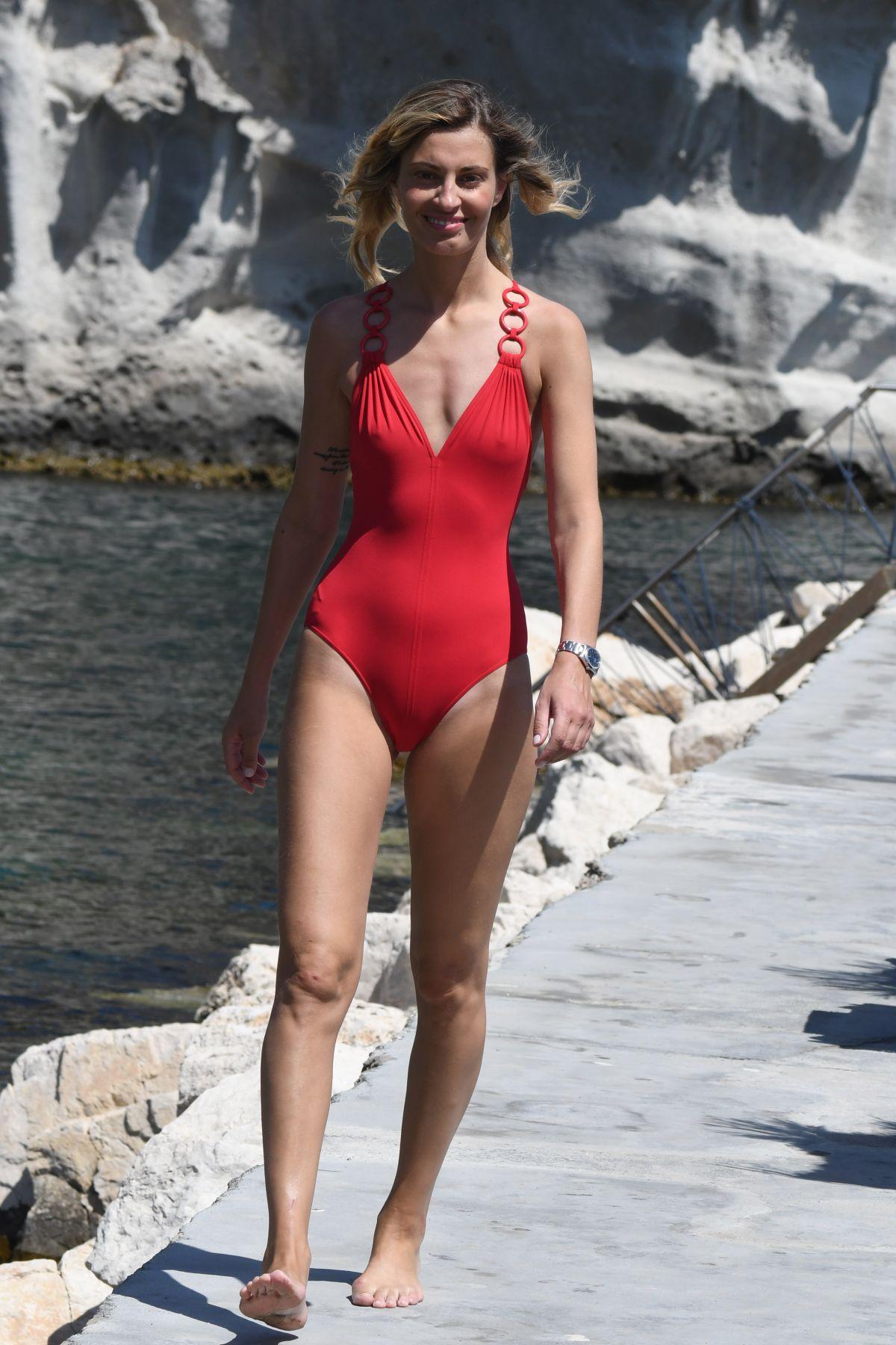 Selfie Alexandra Zimny naked (95 foto and video), Sexy, Paparazzi, Feet, panties 2006