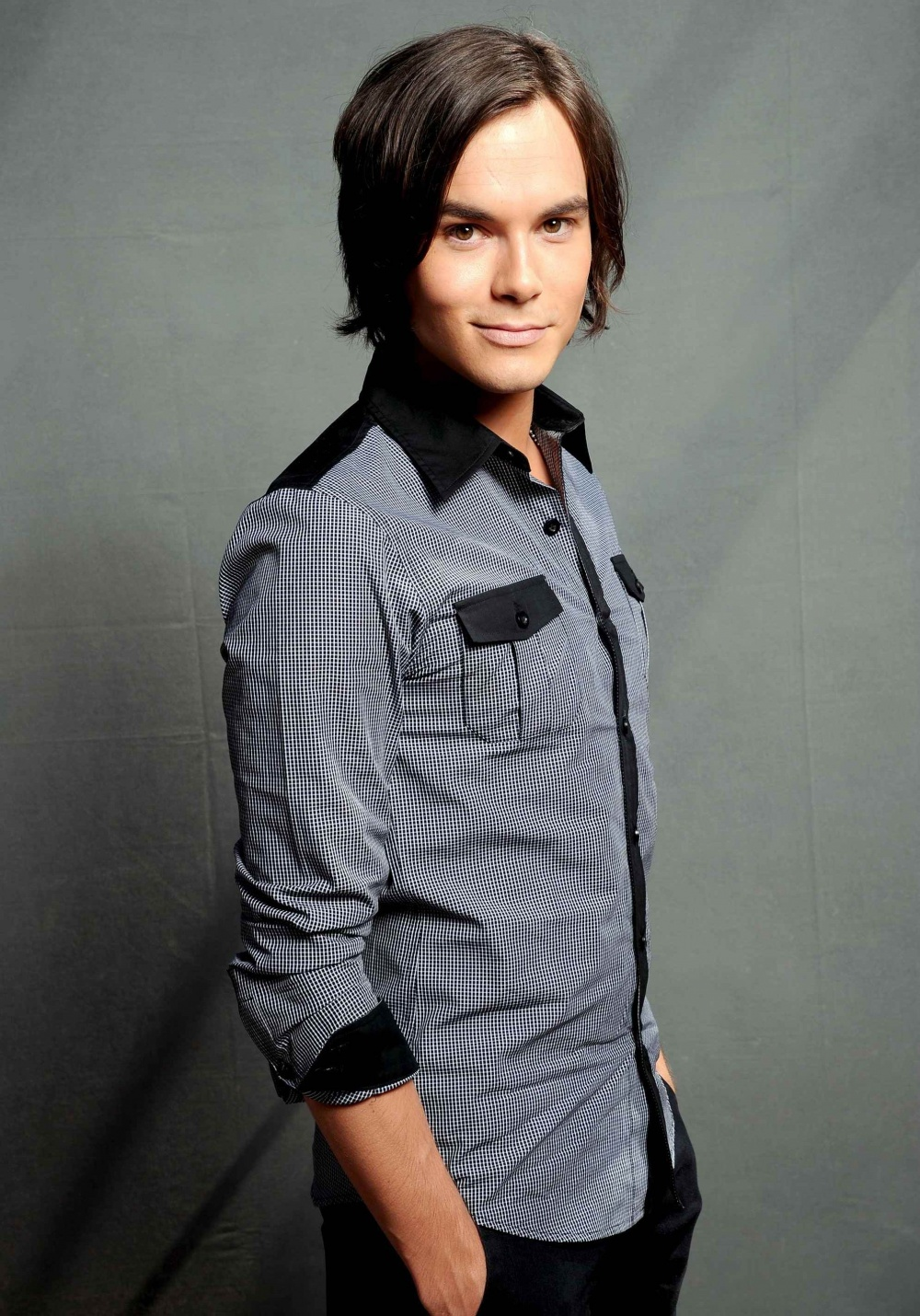Tyler Blackburn Photo 17 Of 62 Pics, Wallpaper