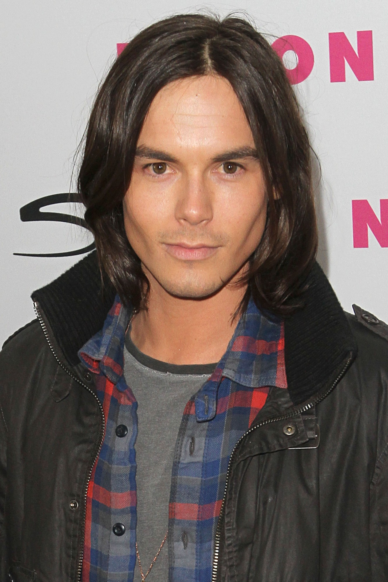 Tyler Blackburn Photo 6 Of 62 Pics, Wallpaper