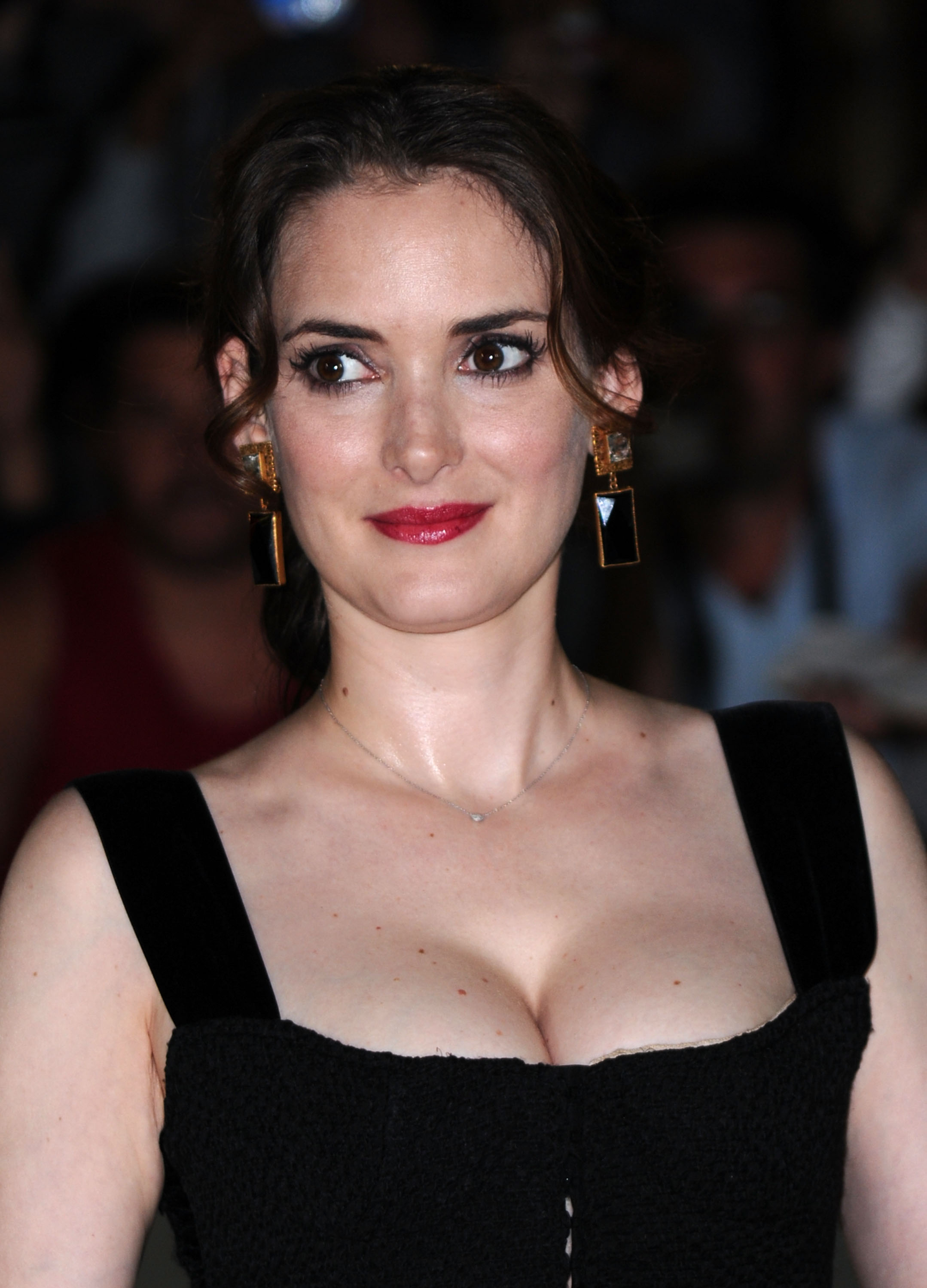 legs Is a cute Winona Ryder naked photo 2017