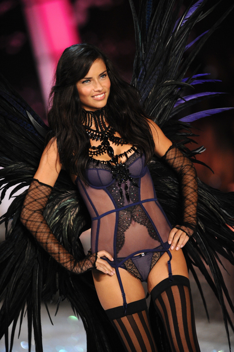 Adriana Lima See naked (75 photo), Tits, Paparazzi, Boobs, lingerie 2020