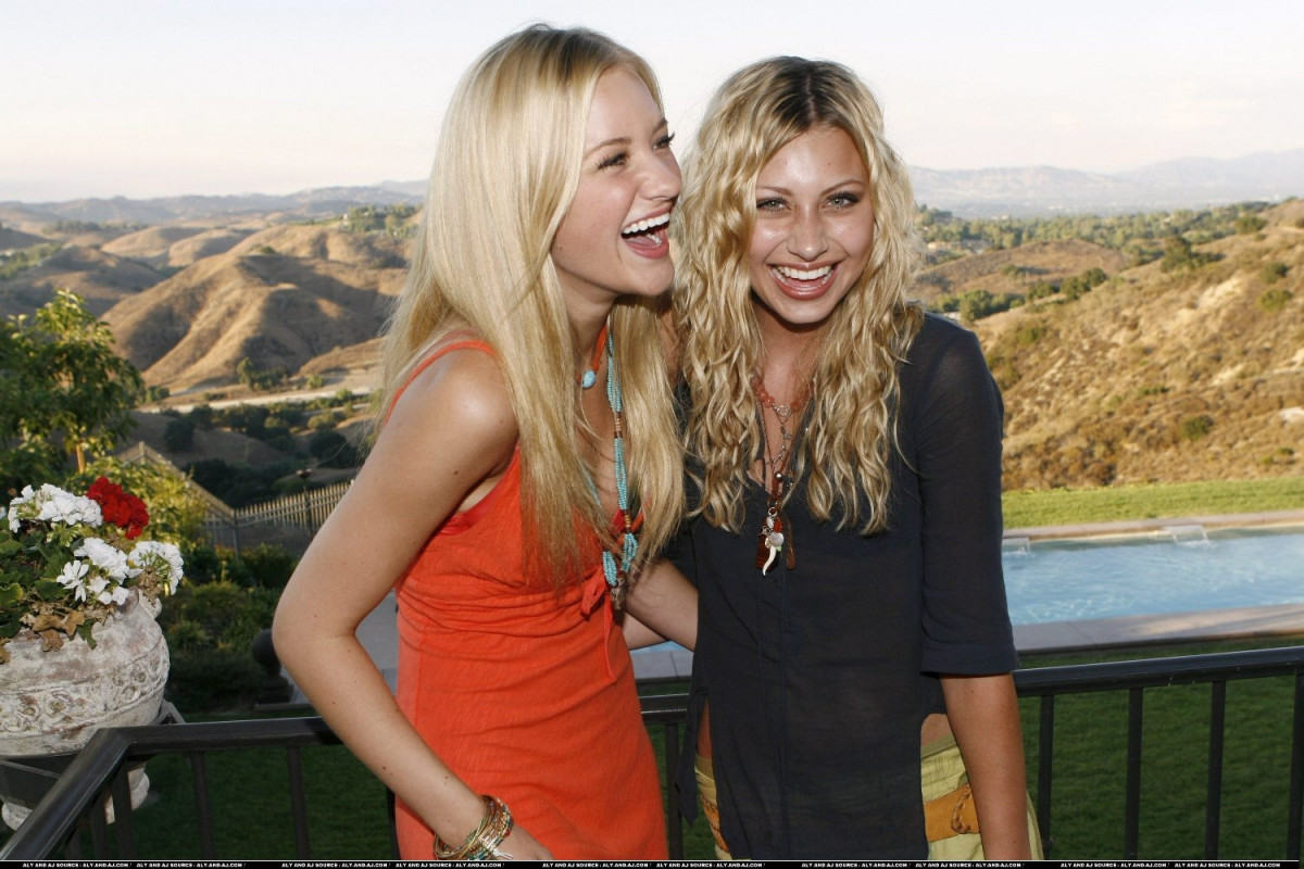 Aly and Aj: pic #758350