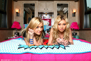 photo 3 in Aly and Aj gallery [id131716] 2009-02-04