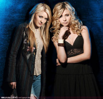 photo 14 in Aly and Aj gallery [id130297] 2009-01-28