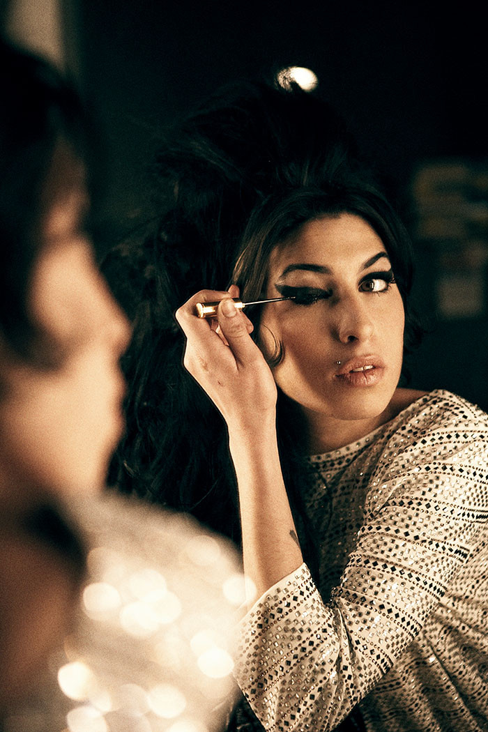 Amy Winehouse Photo 101 Of 199 Pics Wallpaper Photo 360345 Theplace2