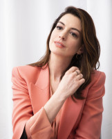 Anne Hathaway pic #1099823