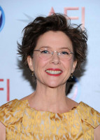Annette Bening pic #329341