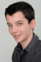 Asa Butterfield pic #539406