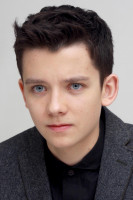 Asa Butterfield pic #673347