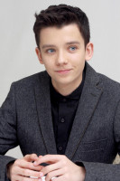 Asa Butterfield pic #673346