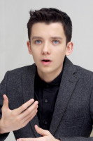 Asa Butterfield pic #673349