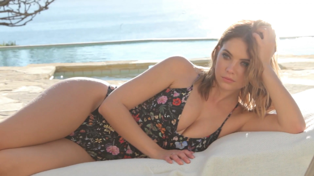 Ashley Benson: pic #834194