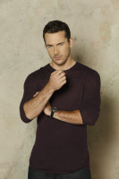 Barry Sloane  pic #841411
