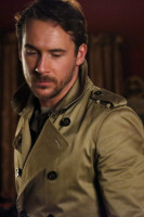 Barry Sloane  pic #860207