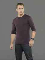 Barry Sloane  pic #855344