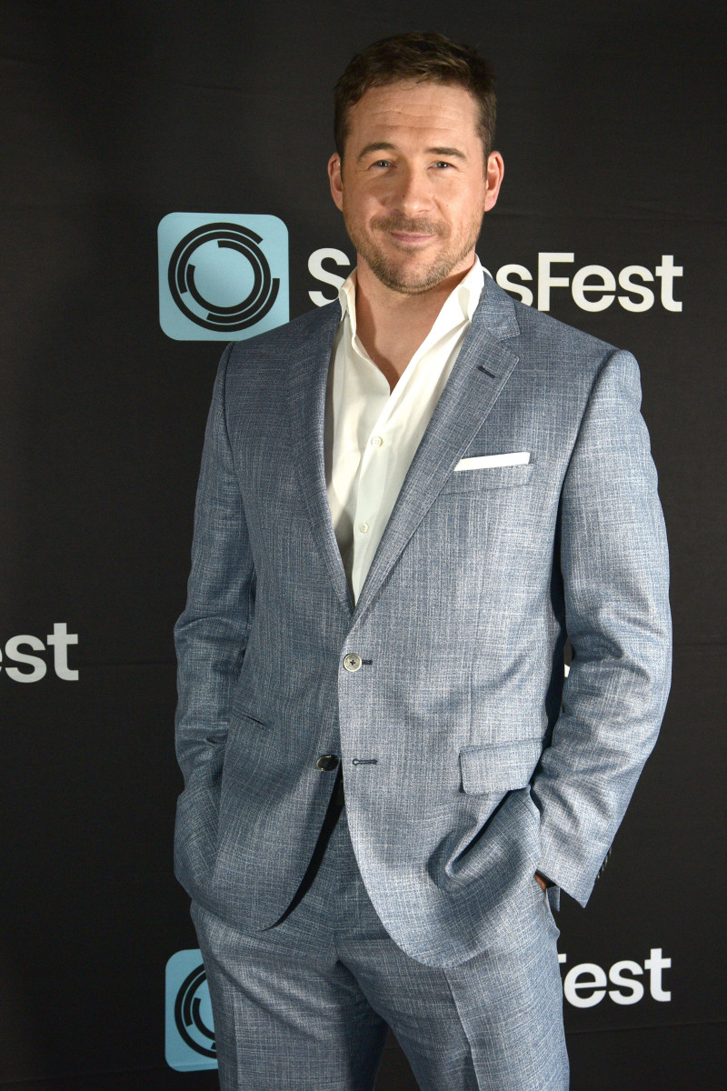 Barry Sloane : pic #1232788