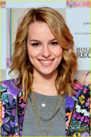 photo 3 in Bridgit Mendler gallery [id666423] 2014-02-04