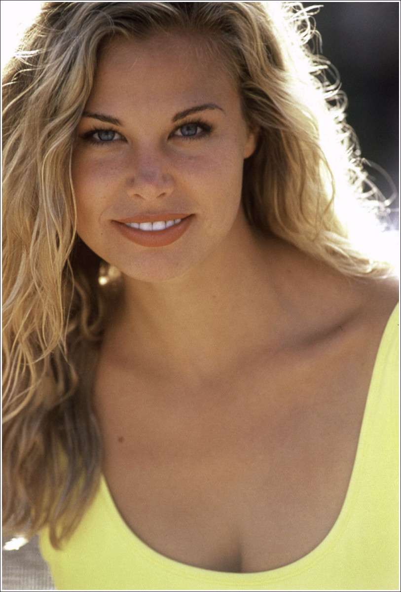 Brooke Burns: pic #337553