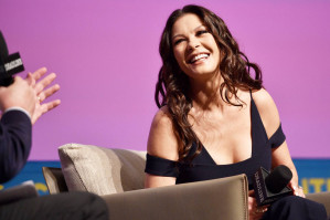 Catherine Zeta Jones pic #1030301