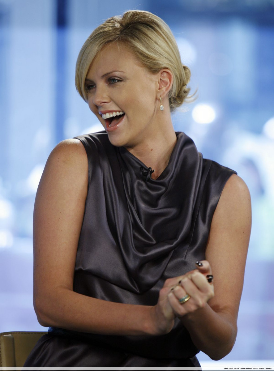 Charlize Theron: pic #175607