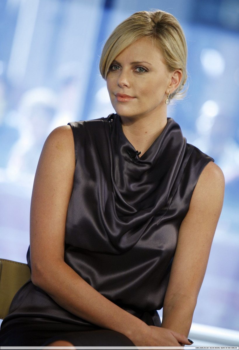 Charlize Theron: pic #175737