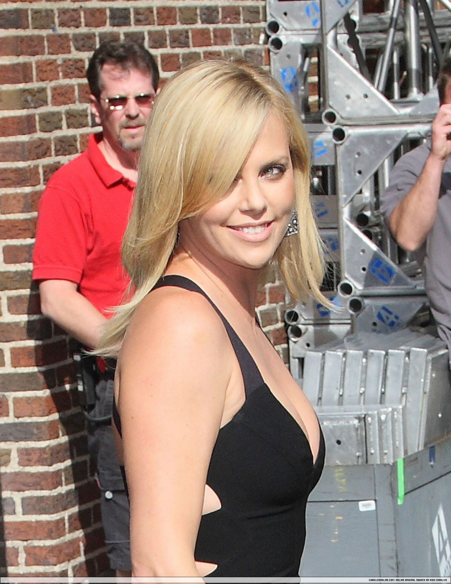 Charlize Theron: pic #177452