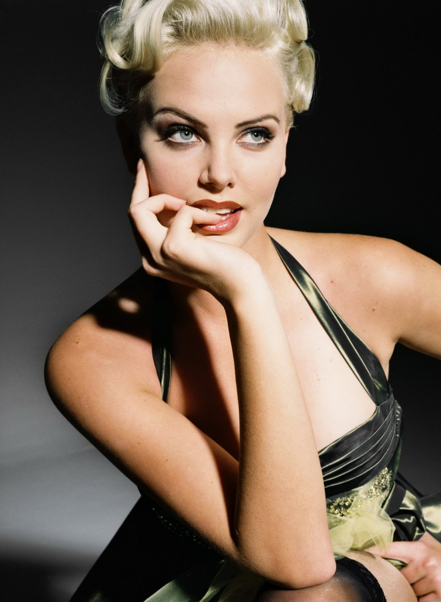Charlize Theron: pic #176876
