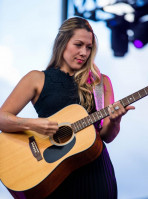 Colbie Caillat pic #1000565