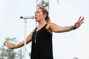Colbie Caillat pic #1040533