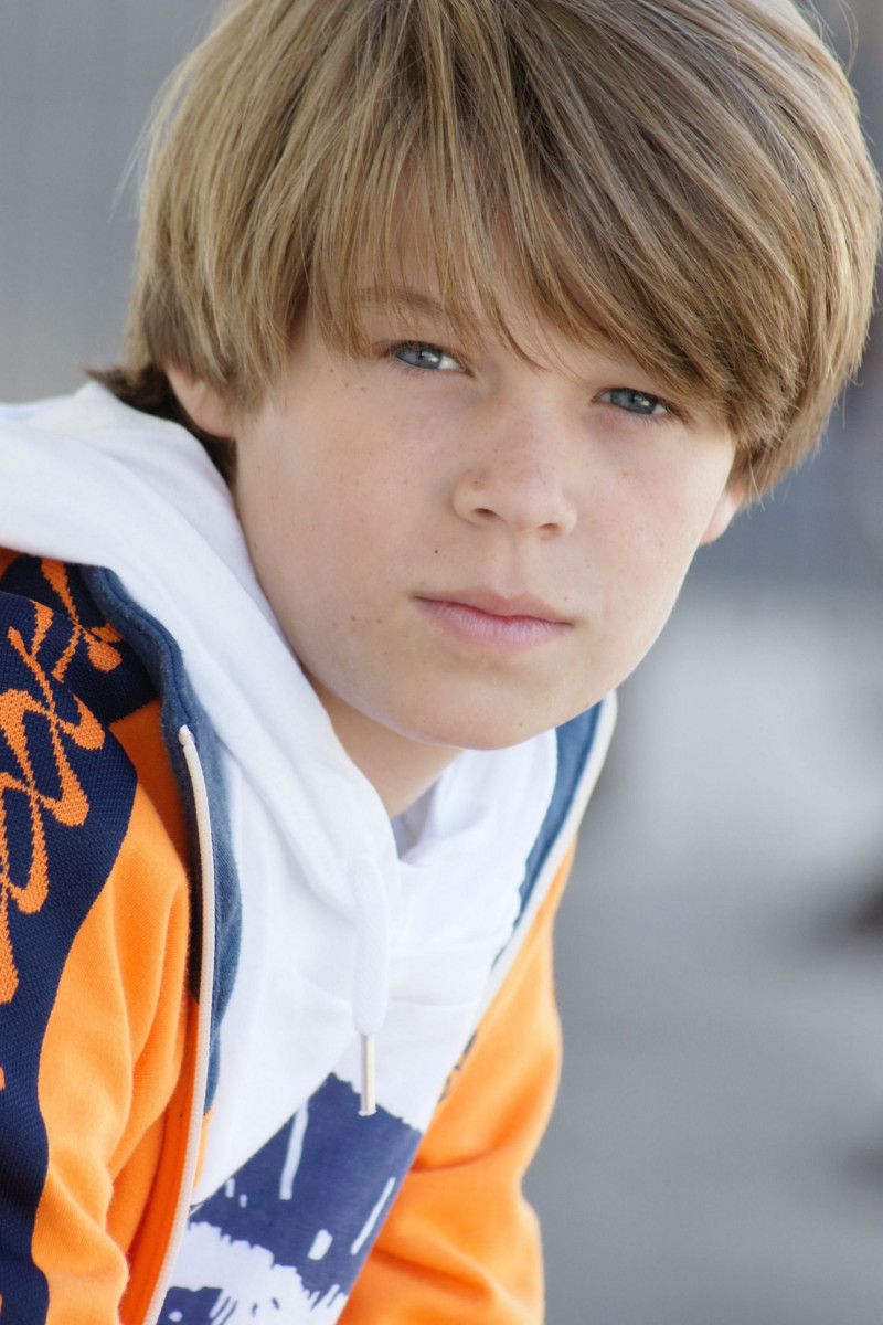 Colin Ford: pic #536810