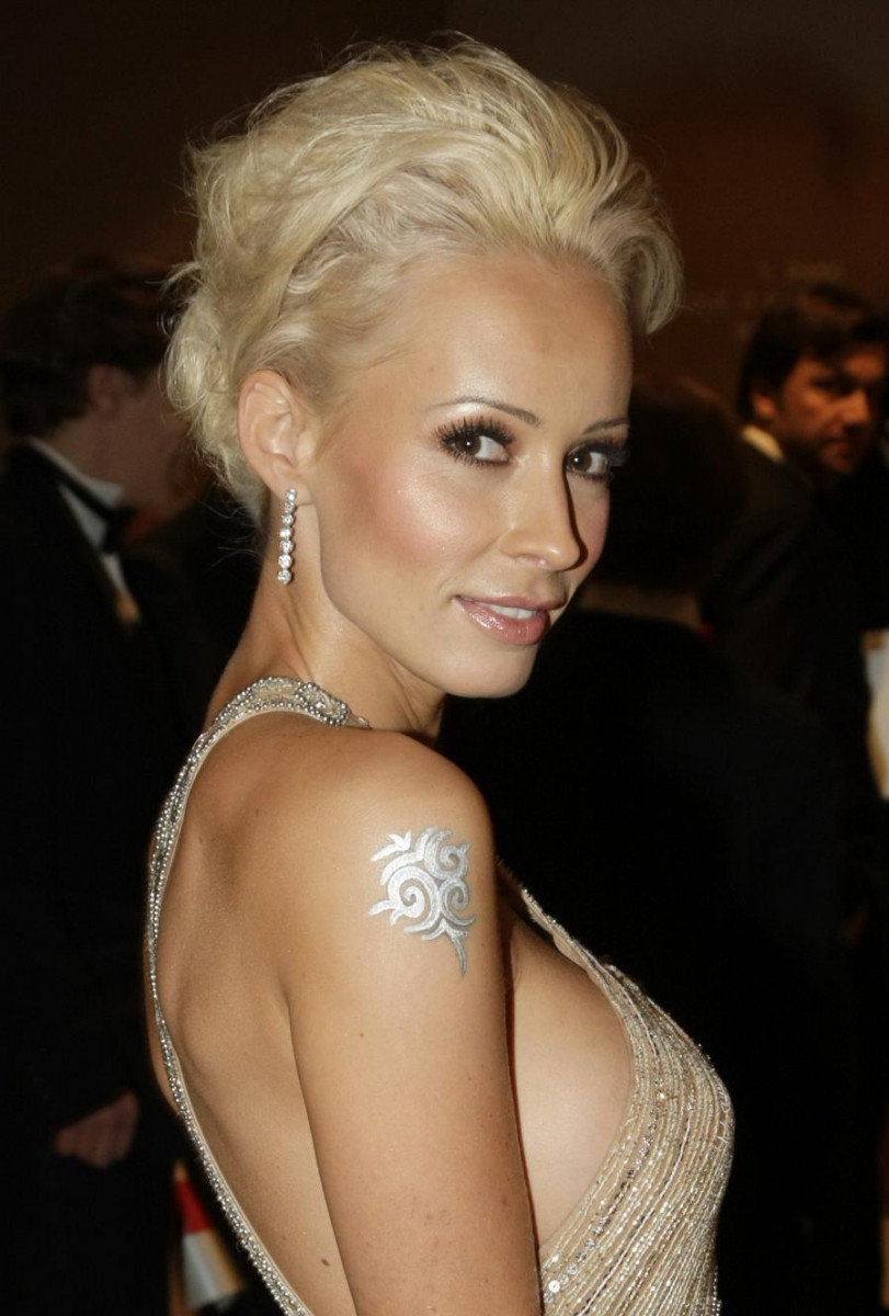 Cora Schumacher Nude Photos 11