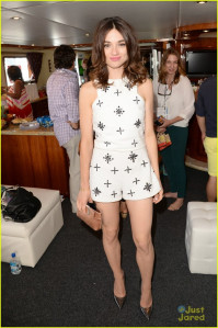 photo 4 in Crystal Reed gallery [id748099] 2014-12-17
