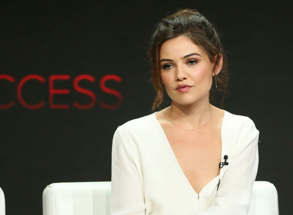 Danielle Campbell: pic #1057271
