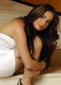 Danna Garcia En Bikini