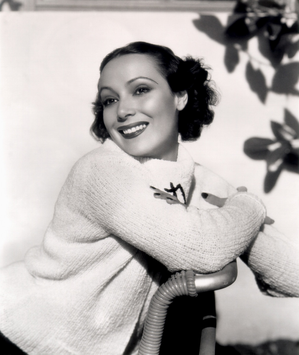 Watch Dolores del Rio video