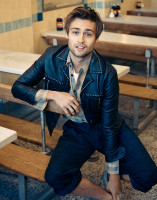 Douglas Booth pic #863117